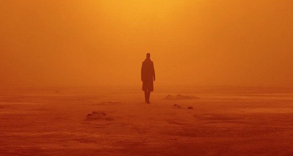 The official Blade Runner 2049 trailer is finally here!!
